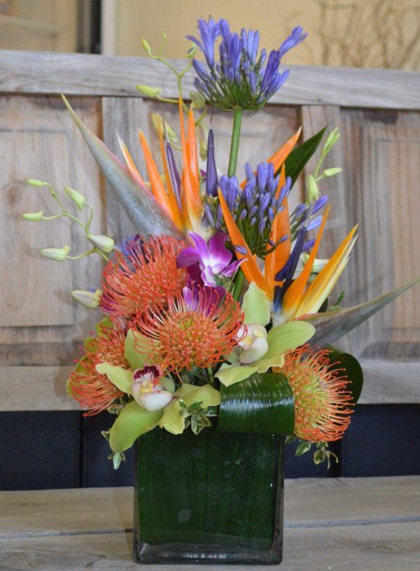 Paradys Tropical Floral Arrangement