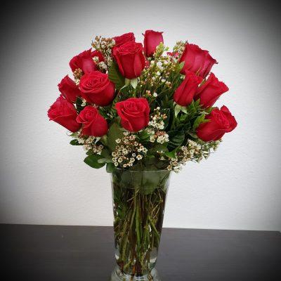 dozen roses floral arrangement